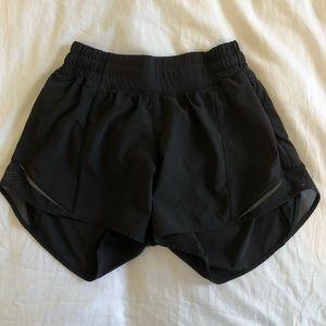 Lululemon Hotty Hot 2.5 Shorts